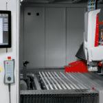 Lasersko rezanje metala pomoću robota