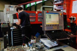 laser-rabljeni-prodaja - laser-stroj-prodaja-001.jpg